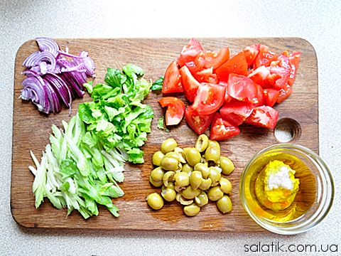 салат с сельдереем и помидорами