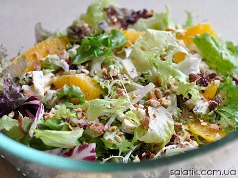 салат с апельсином и сыром с плесенью