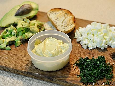 яичный салат с авокадо продукты