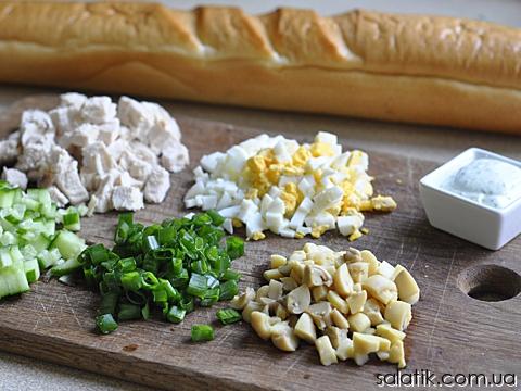 куриный салат в багете продукты