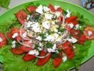 салат со скумбрией и помидорами