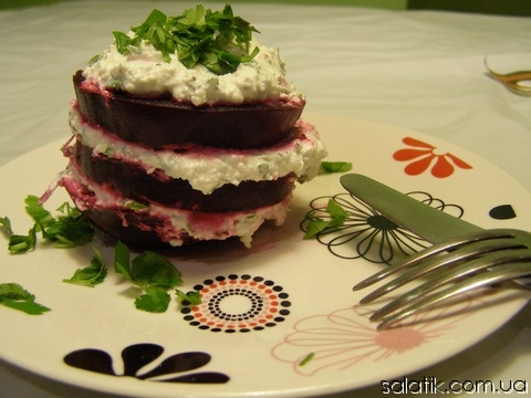 свекольный салат пирожное