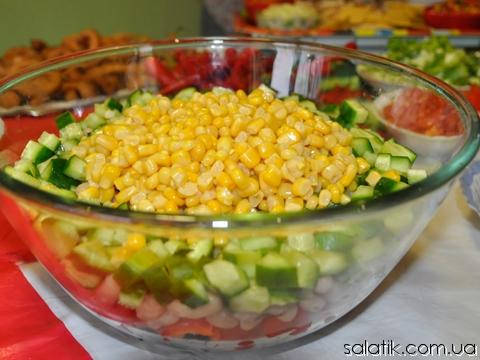 салат мексиканский с фасолью