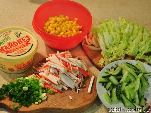 салат с крабовыми палочками и кукурузой фото пошагово