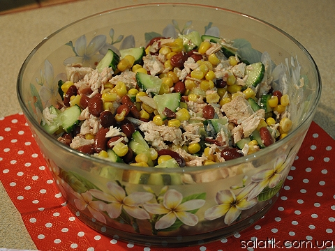 салат из курицы с красной фасолью фото