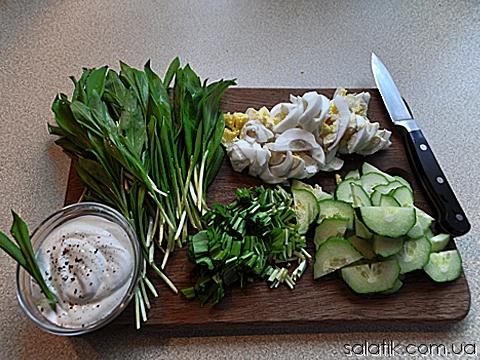 салат с черемшой и огурцом фото